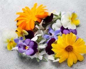 Bloemenmix uit eigen tuin